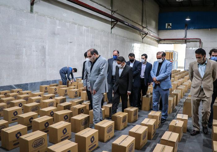 بازدید محسنی مجد از محل آماده سازی بسته های کمک معیشتی