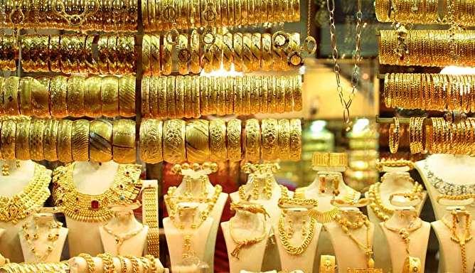 بازار طلا و سکه چگونه هفته را آغاز کرد؟ / قیمت دلار و یورو امروز ۹۹/۵/۴