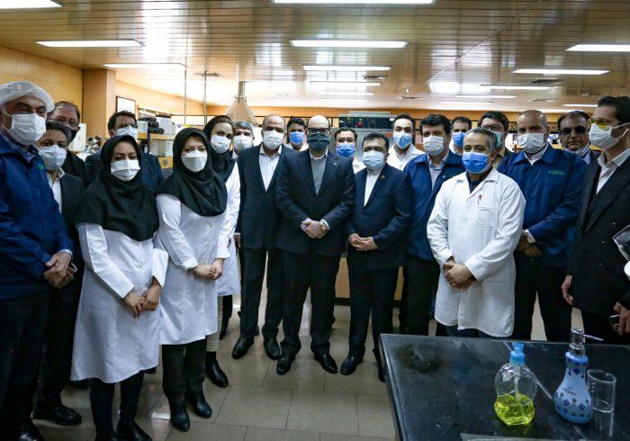 """بازدید مدیران """"وبانک"""" """"وبشهر"""" از خطوط تولیدد گلتاش و کاشت نهال در محوطه کارخانه"""